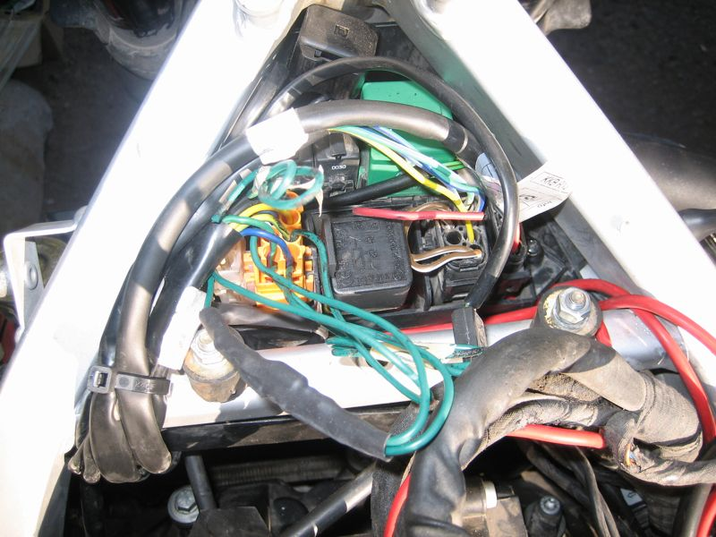 bmw f650gs accessory fuse box install adventure rider rh advrider com BMW G650GS Specifications BMW G650GS Specs